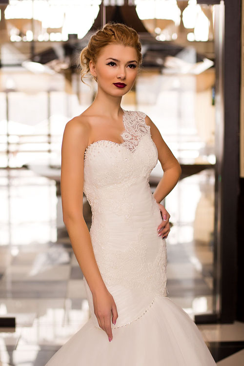 Свадебные платья на одно плечо