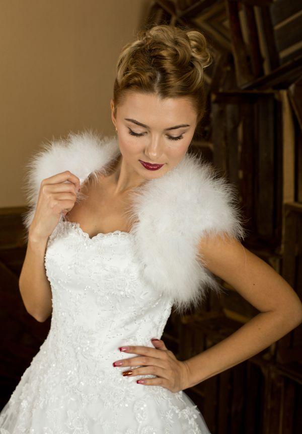 Меховое свадебное платье