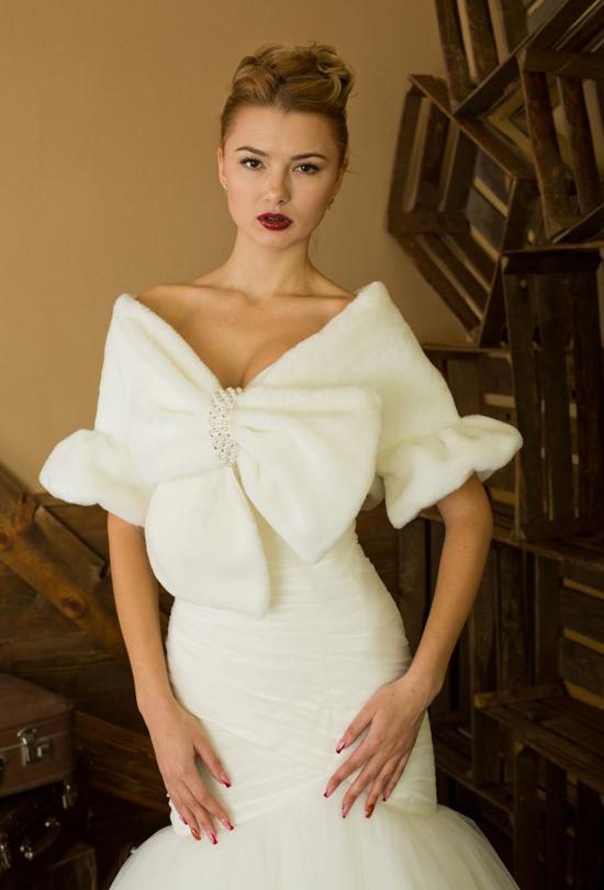 Cвадебное платье с мехом