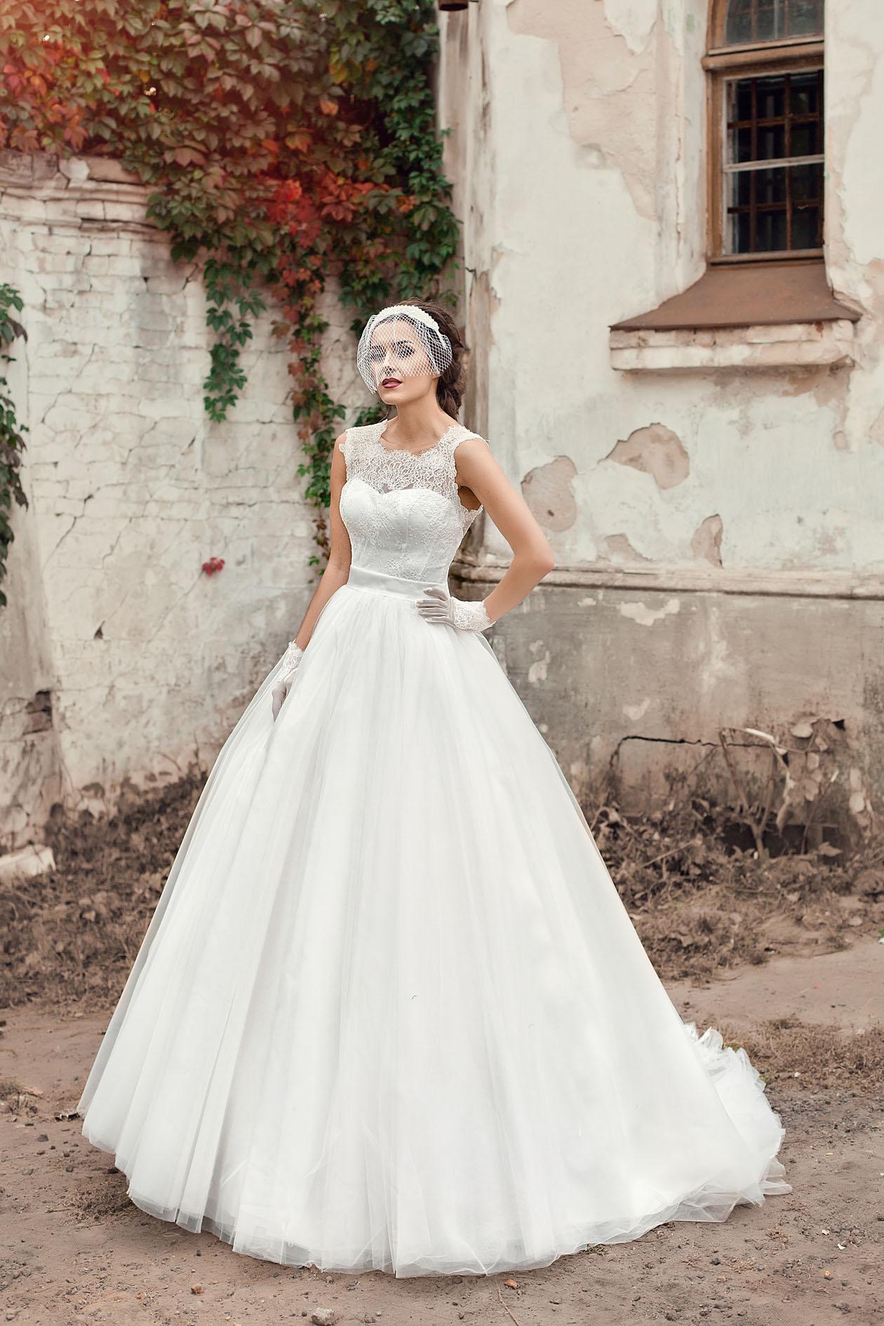 Классические свадебные платья на фото