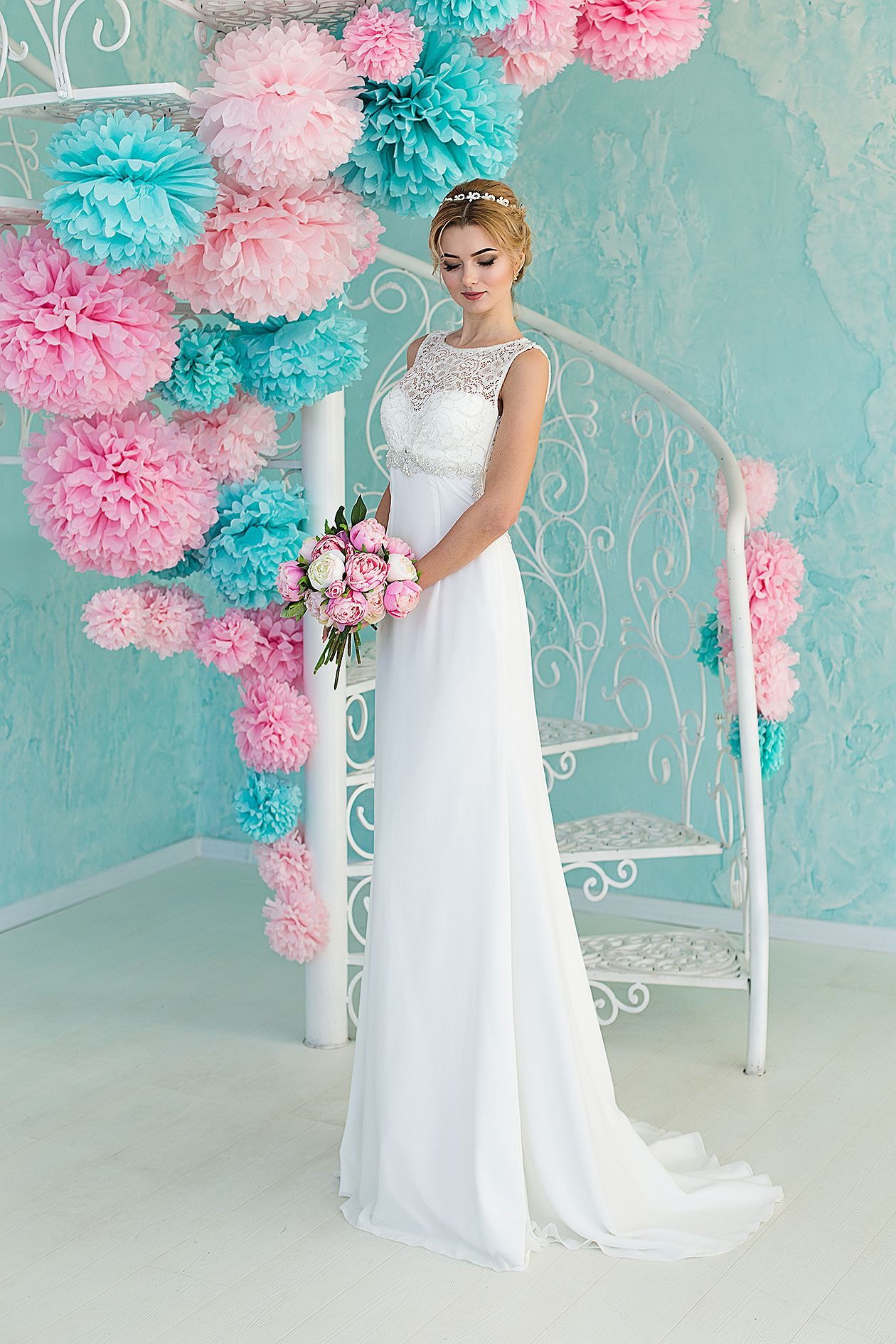 e28a681ed30 Купить нежное свадебное платье прямого покроя Pandia недорого